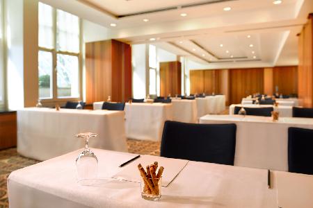 meeting-room3